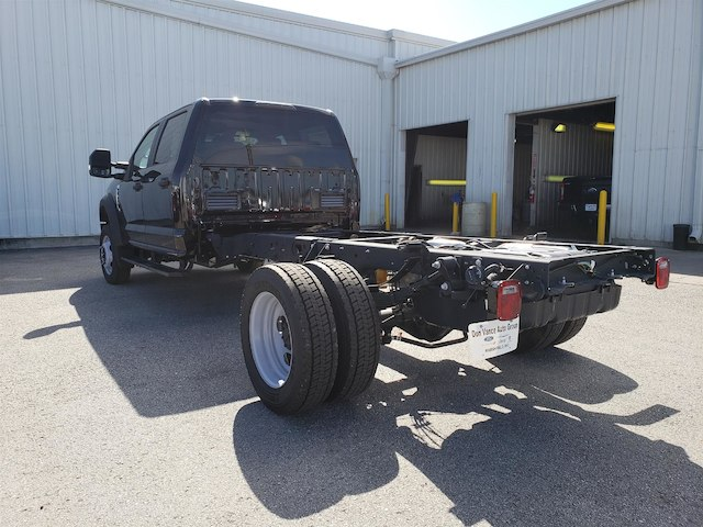 2018 F-450 Crew Cab DRW 4x4,  Cab Chassis #29118 - photo 3
