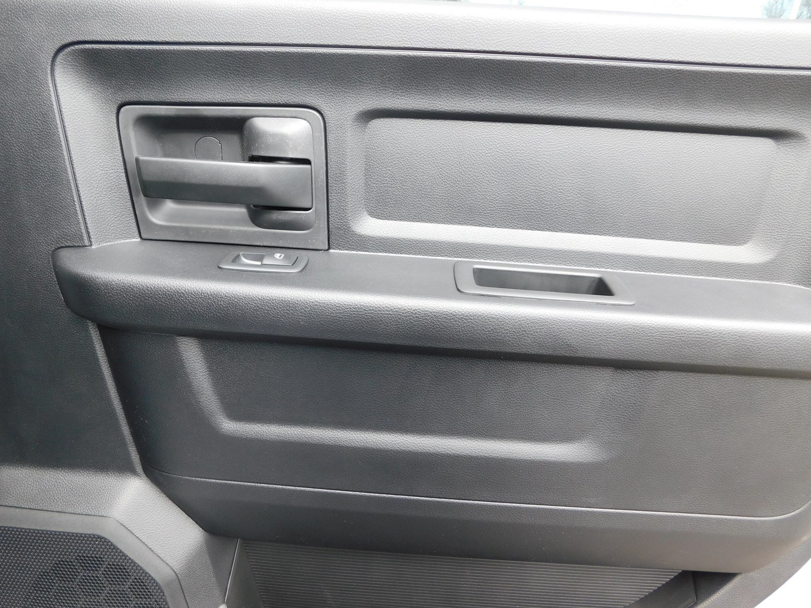 2018 Ram 3500 Crew Cab DRW 4x2,  Pickup #180456 - photo 28