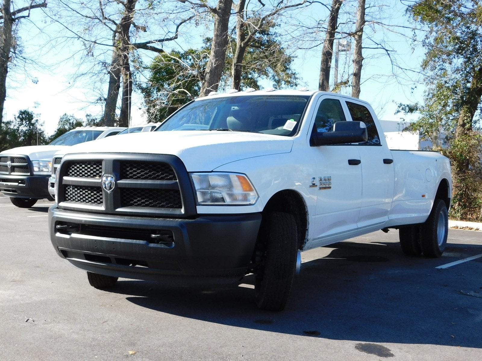 2018 Ram 3500 Crew Cab DRW 4x2,  Pickup #180676 - photo 3