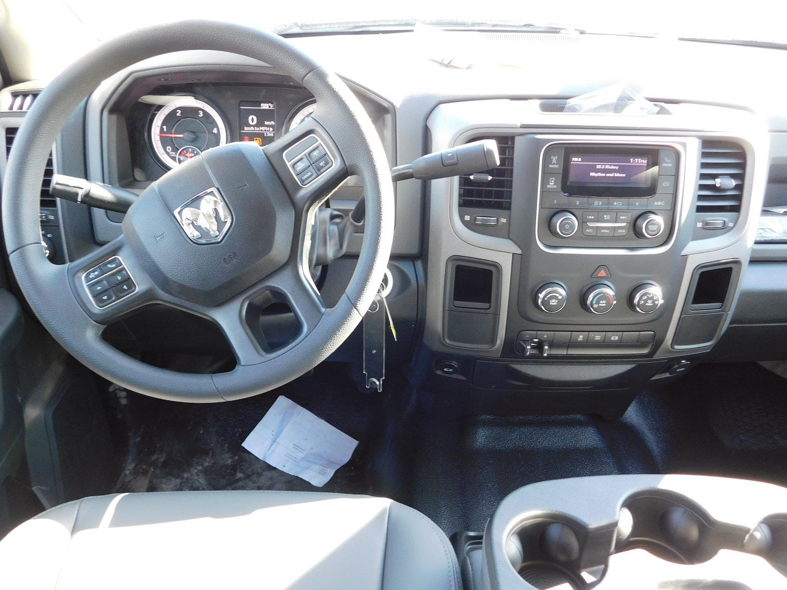 2018 Ram 3500 Crew Cab DRW 4x2,  Pickup #180676 - photo 25