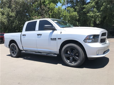 2018 Ram 1500 Crew Cab 4x4,  Pickup #181329 - photo 3