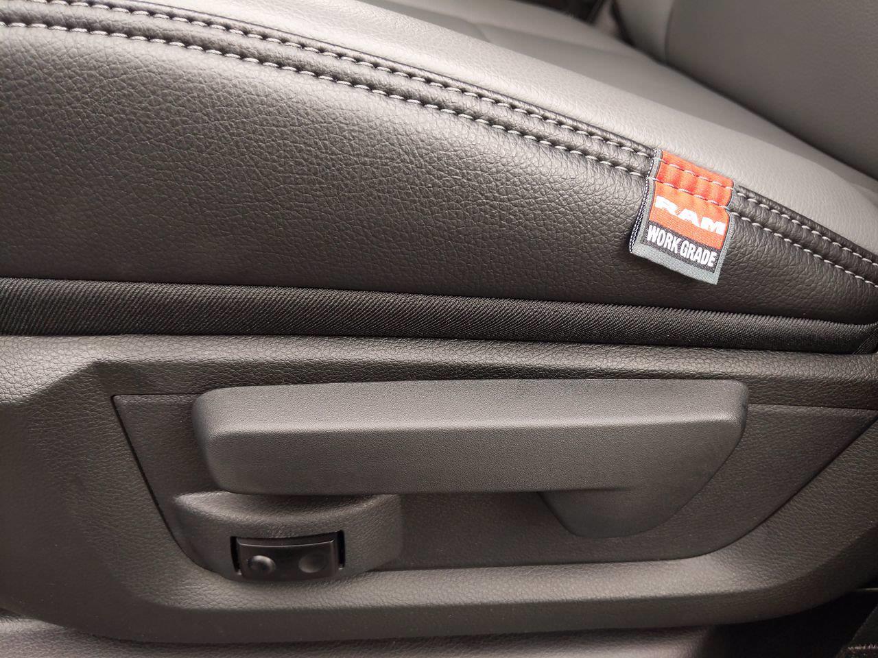 2021 Ram 5500 Crew Cab DRW 4x2,  Cab Chassis #CM00170 - photo 19
