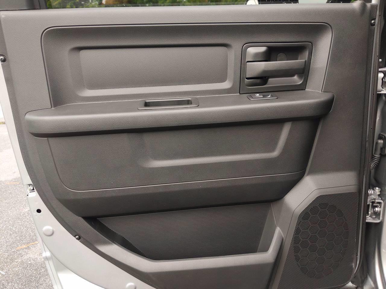 2021 Ram 5500 Crew Cab DRW 4x2,  Cab Chassis #CM00170 - photo 27