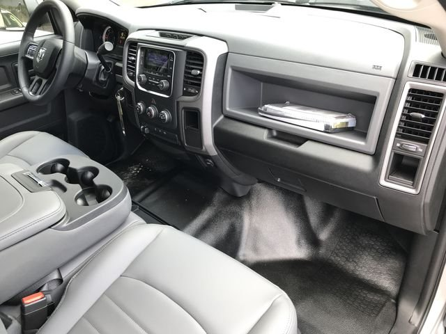 2018 Ram 3500 Crew Cab DRW 4x2,  Pickup #M180093 - photo 17
