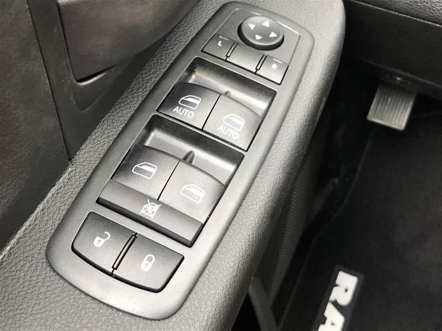 2018 Ram 3500 Crew Cab DRW 4x2,  Pickup #M180107 - photo 29