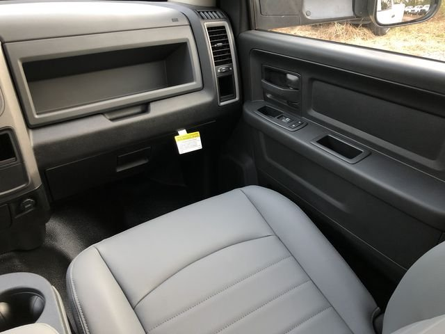 2018 Ram 3500 Crew Cab DRW 4x2,  Knapheide Service Body #M180145 - photo 24