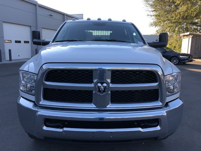 2018 Ram 3500 Crew Cab DRW 4x2,  Platform Body #M180217 - photo 9