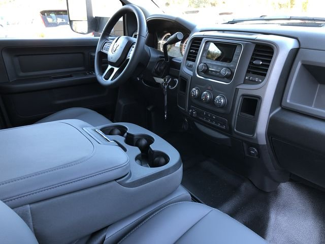 2018 Ram 3500 Crew Cab DRW 4x2,  Platform Body #M180217 - photo 18