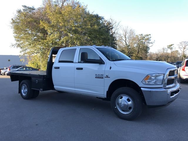 2018 Ram 3500 Crew Cab DRW 4x2,  Platform Body #M180217 - photo 3