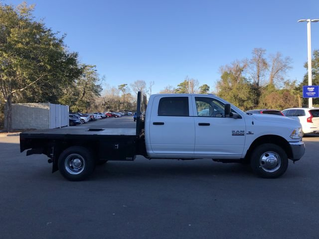 2018 Ram 3500 Crew Cab DRW 4x2,  Platform Body #M180217 - photo 4