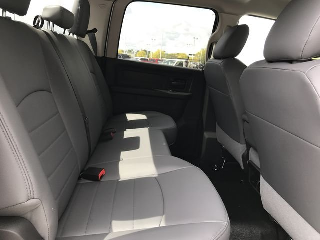 2018 Ram 3500 Crew Cab DRW 4x2,  Cab Chassis #MS180049 - photo 20