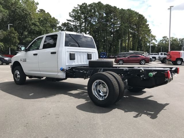 2018 Ram 3500 Crew Cab DRW 4x2,  Cab Chassis #MS180049 - photo 6