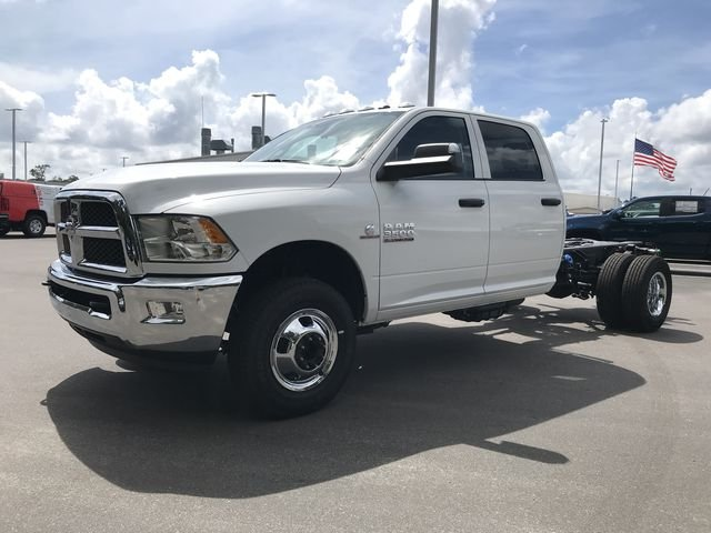 2018 Ram 3500 Crew Cab DRW 4x2,  Cab Chassis #MS180049 - photo 8