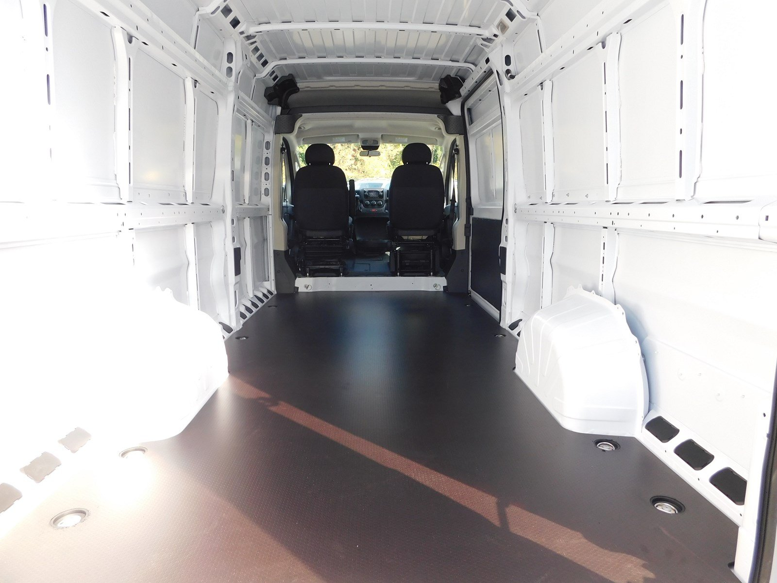 2018 ProMaster 3500 High Roof,  Empty Cargo Van #S180225 - photo 2