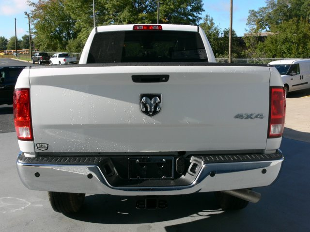 2018 Ram 2500 Crew Cab 4x4 Pickup #18070 - photo 8
