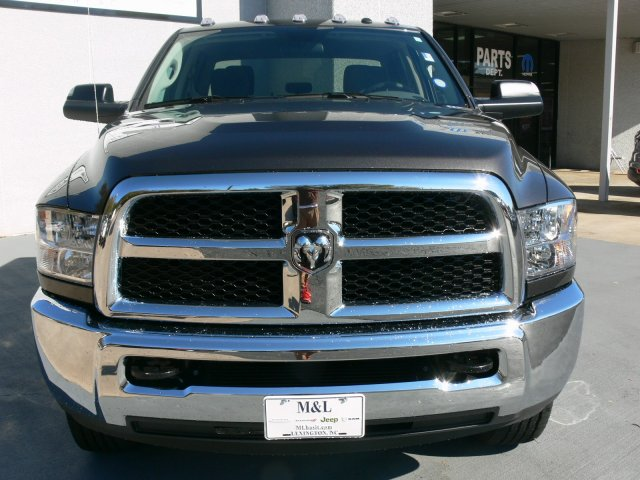 2018 Ram 2500 Crew Cab 4x4 Pickup #18076 - photo 11