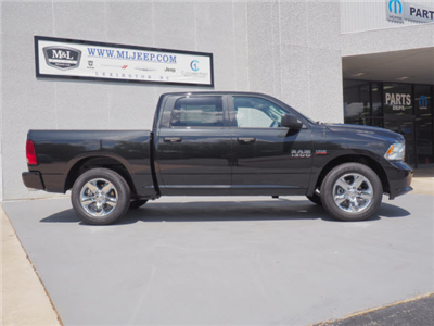 2018 Ram 1500 Crew Cab 4x2,  Pickup #18767 - photo 4