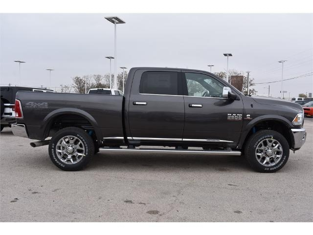 2017 Ram 2500 Crew Cab 4x4, Pickup #HG538157 - photo 3