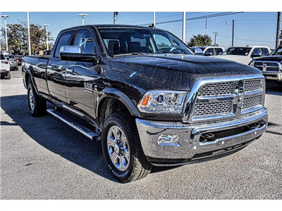 2018 Ram 3500 Crew Cab 4x4, Pickup #JG140737 - photo 3