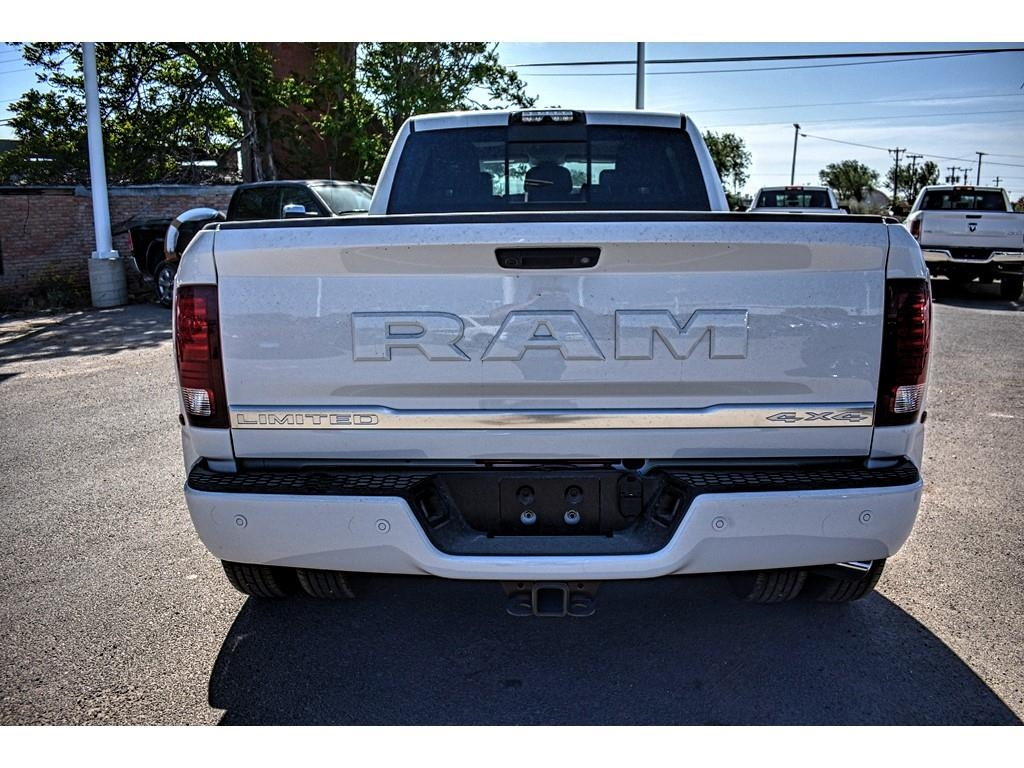 2018 Ram 3500 Mega Cab DRW 4x4, Pickup #JG229226 - photo 10