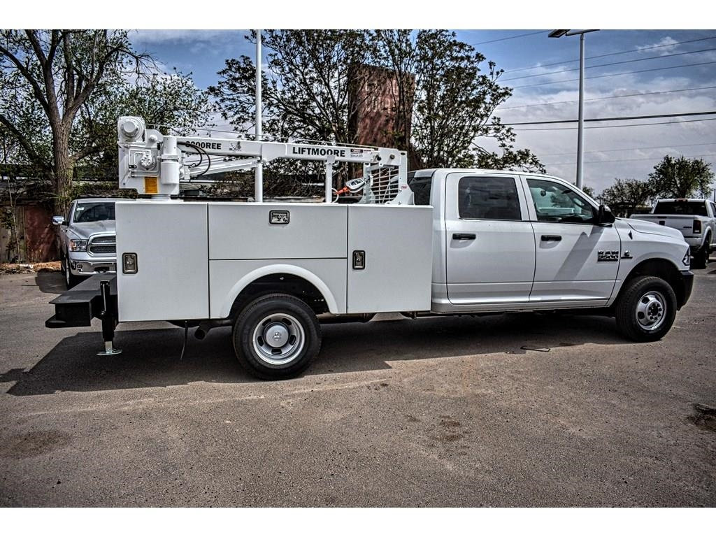 2018 Ram 3500 Crew Cab DRW 4x4, Service Body #JG236879 - photo 12
