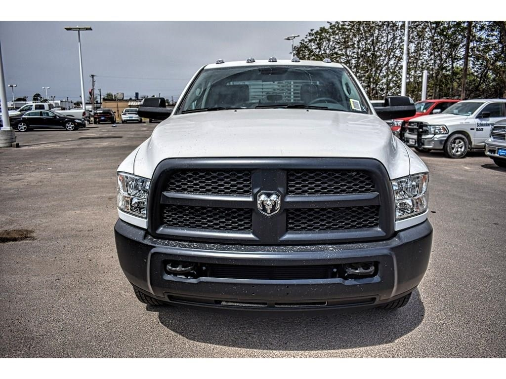 2018 Ram 3500 Crew Cab DRW 4x4, Service Body #JG236879 - photo 4