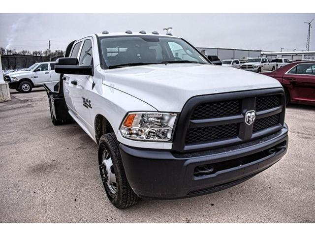 2018 Ram 3500 Crew Cab DRW 4x4,  Platform Body #JG398052 - photo 3