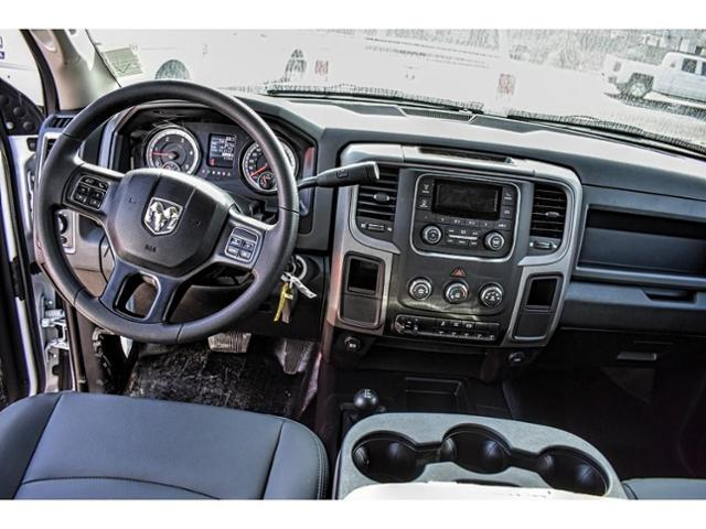 2018 Ram 3500 Crew Cab DRW 4x4,  Service Body #JG401894 - photo 17