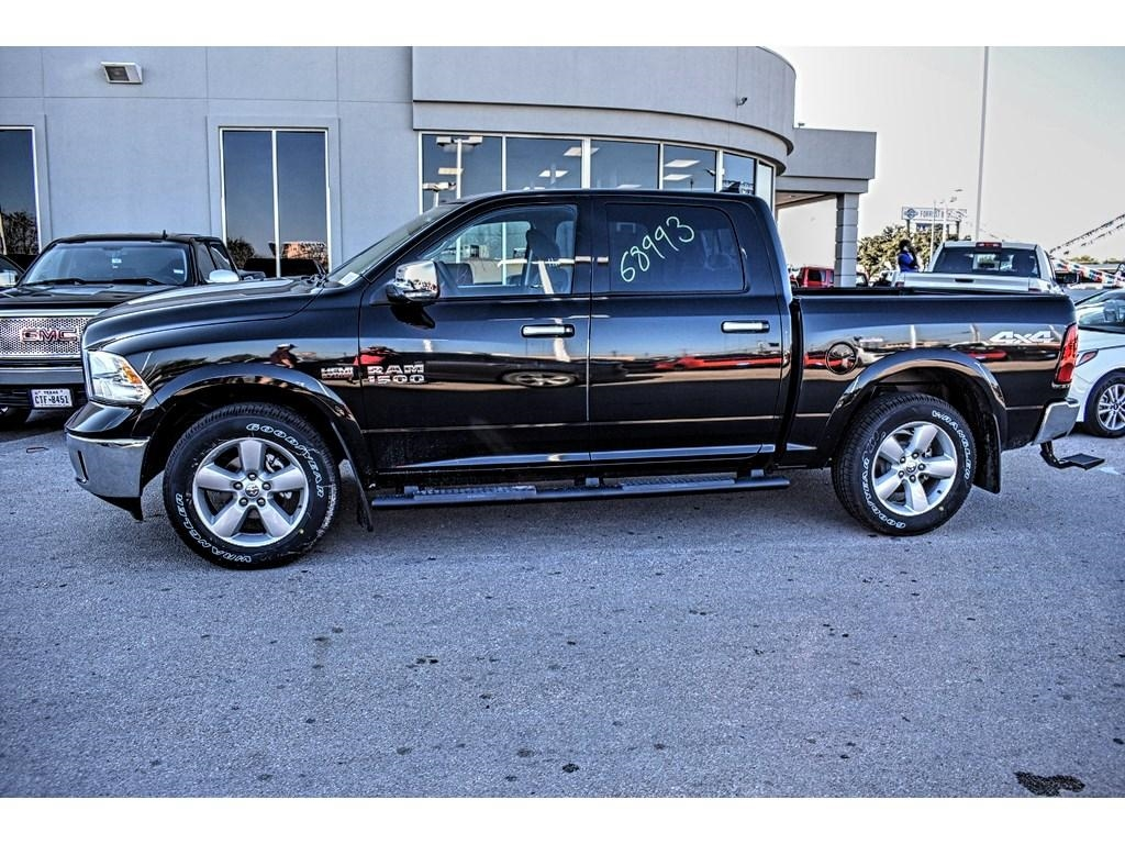 2018 Ram 1500 Crew Cab, Pickup #JS143507 - photo 8