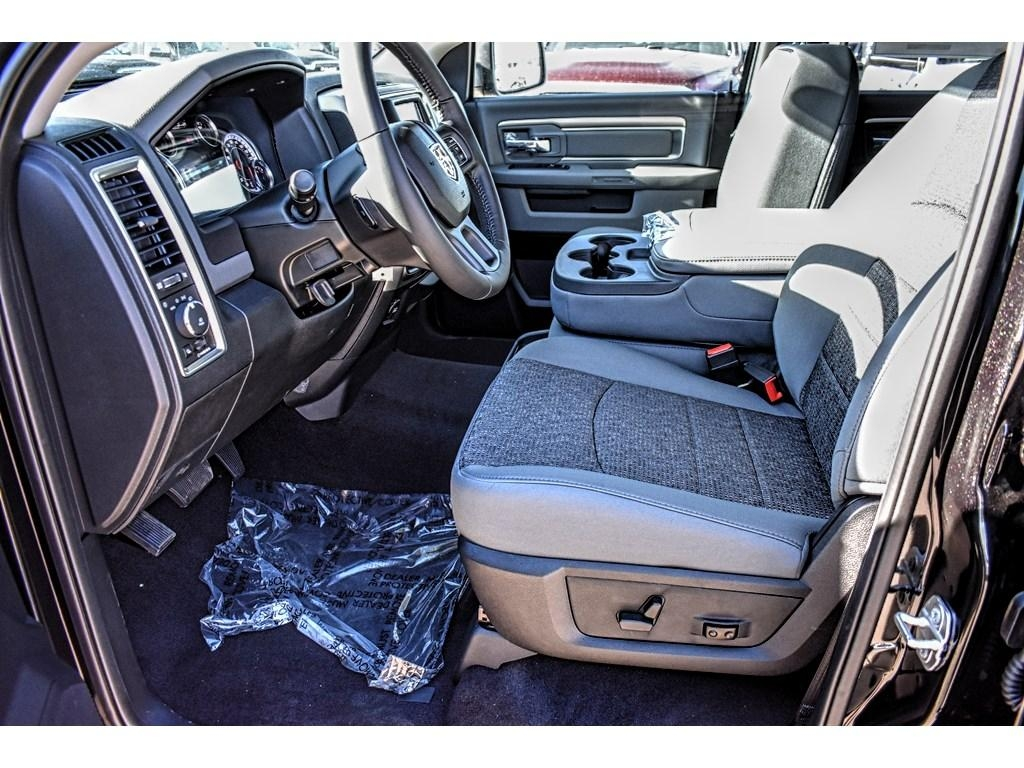 2018 Ram 1500 Crew Cab Pickup #JS149862 - photo 23