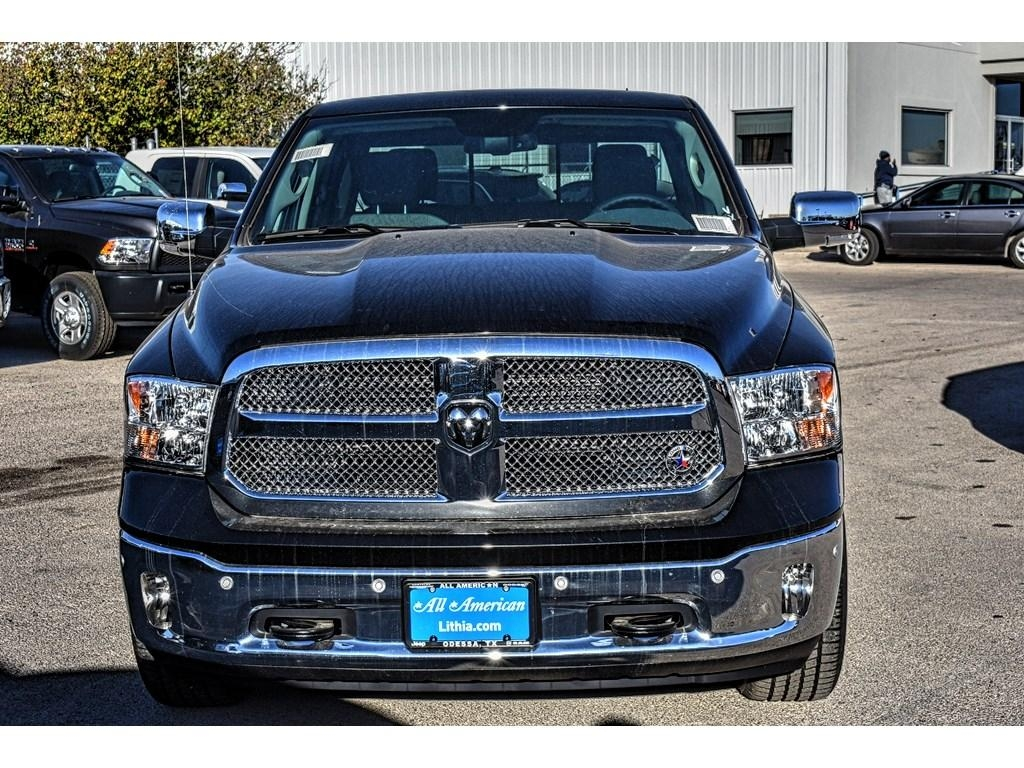 2018 Ram 1500 Crew Cab Pickup #JS155236 - photo 4