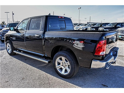 2018 Ram 1500 Crew Cab Pickup #JS155236 - photo 8