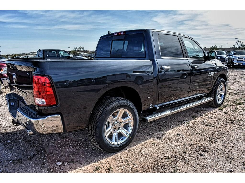 2018 Ram 1500 Crew Cab, Pickup #JS155238 - photo 2