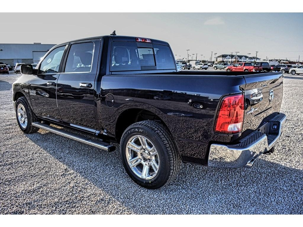 2018 Ram 1500 Crew Cab Pickup #JS161033 - photo 9