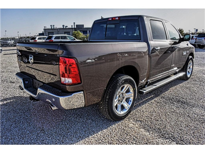 2018 Ram 1500 Crew Cab Pickup #JS161035 - photo 2