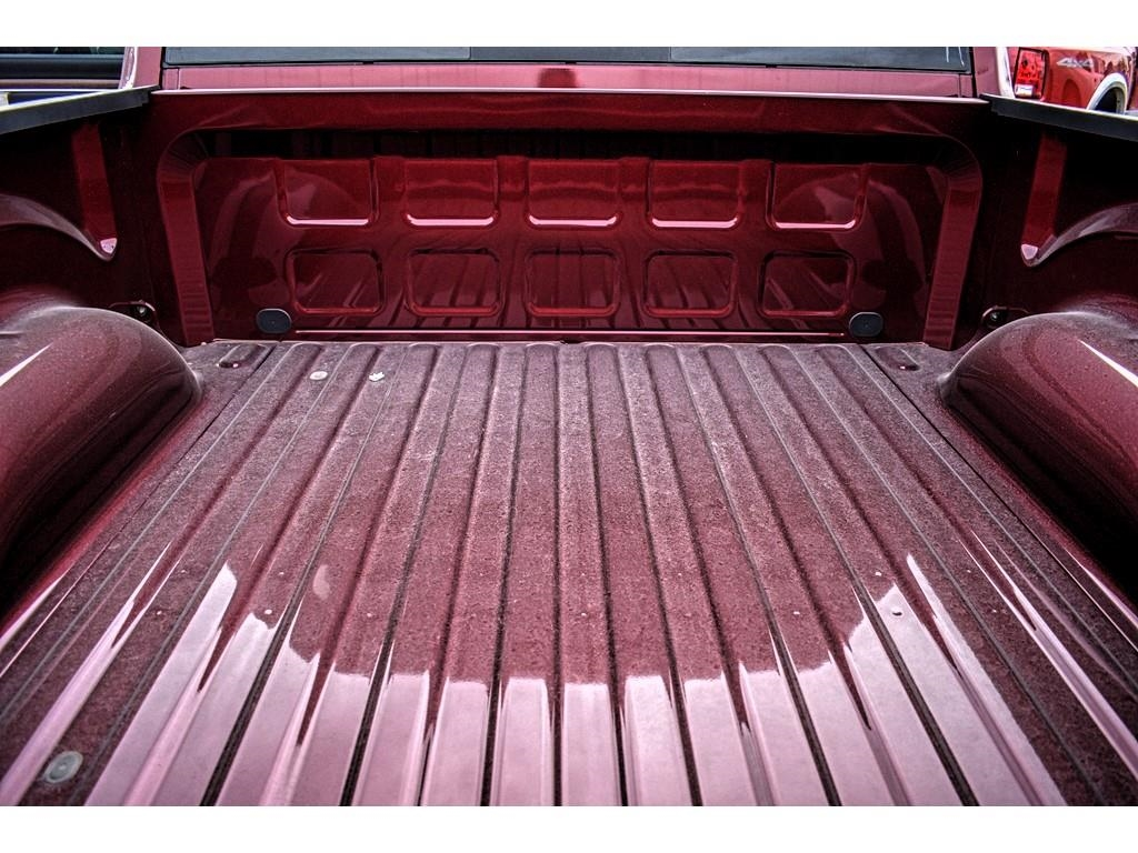 2018 Ram 1500 Crew Cab 4x4, Pickup #JS231899 - photo 15