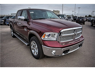2018 Ram 1500 Crew Cab 4x4, Pickup #JS231899 - photo 3