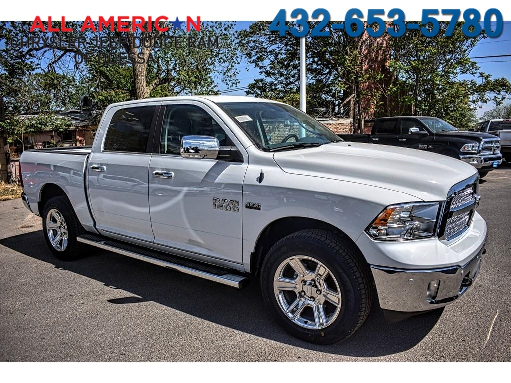 2018 Ram 1500 Crew Cab 4x4, Pickup #JS267808 - photo 1