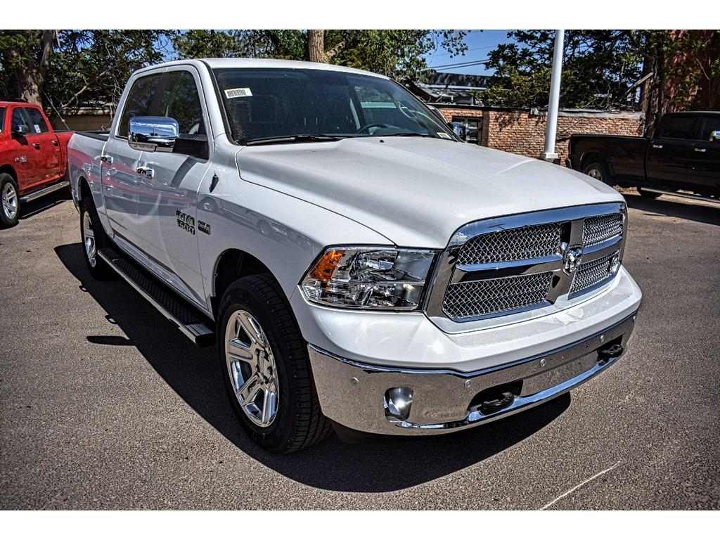 2018 Ram 1500 Crew Cab 4x4, Pickup #JS267808 - photo 3
