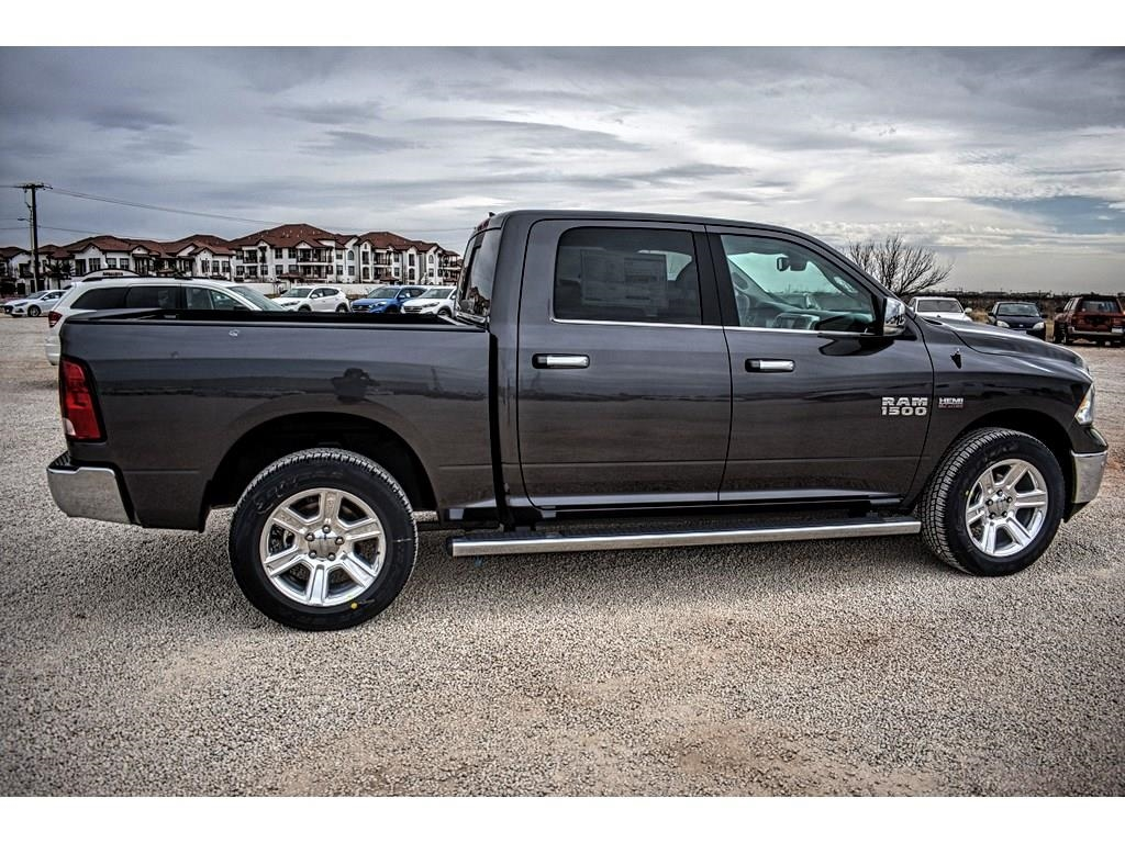 2018 Ram 1500 Crew Cab 4x4, Pickup #JS267813 - photo 12