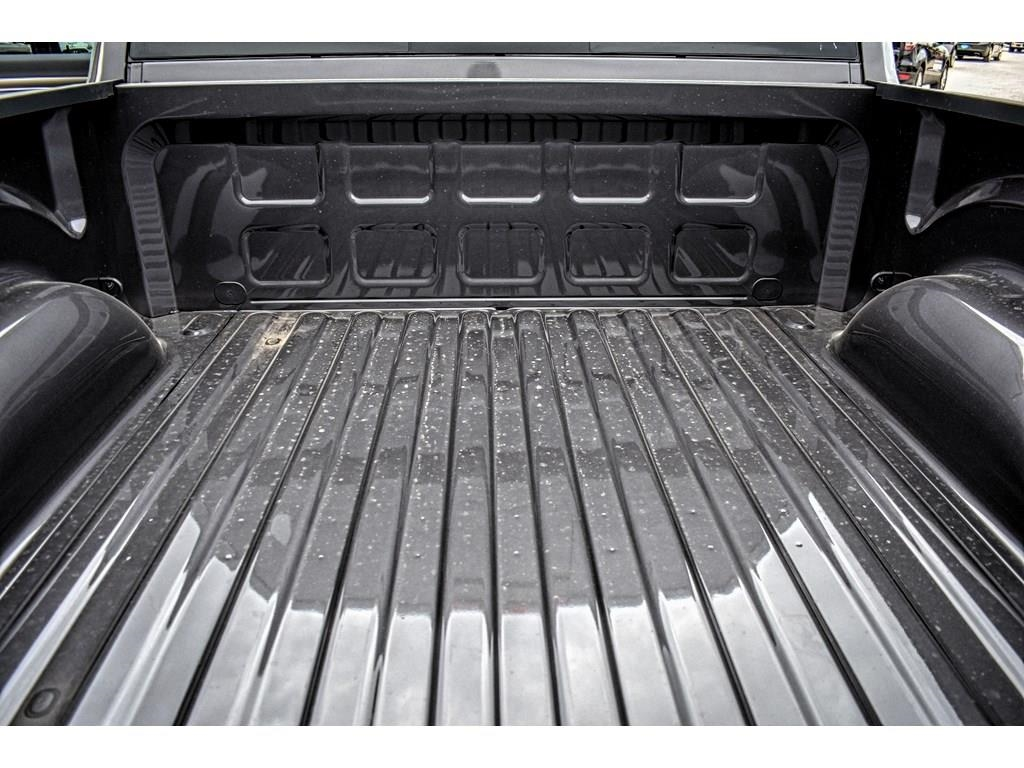2018 Ram 1500 Crew Cab 4x4, Pickup #JS267813 - photo 15