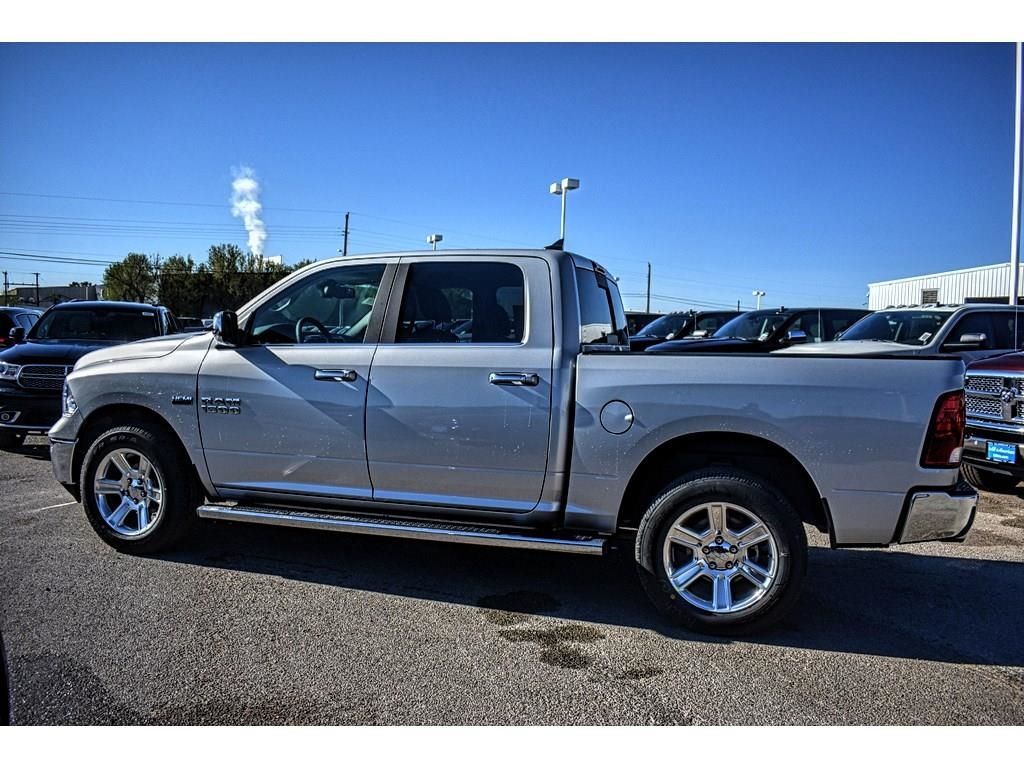 2018 Ram 1500 Crew Cab 4x4, Pickup #JS268575 - photo 7