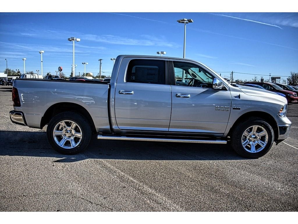 2018 Ram 1500 Crew Cab 4x4, Pickup #JS268575 - photo 12