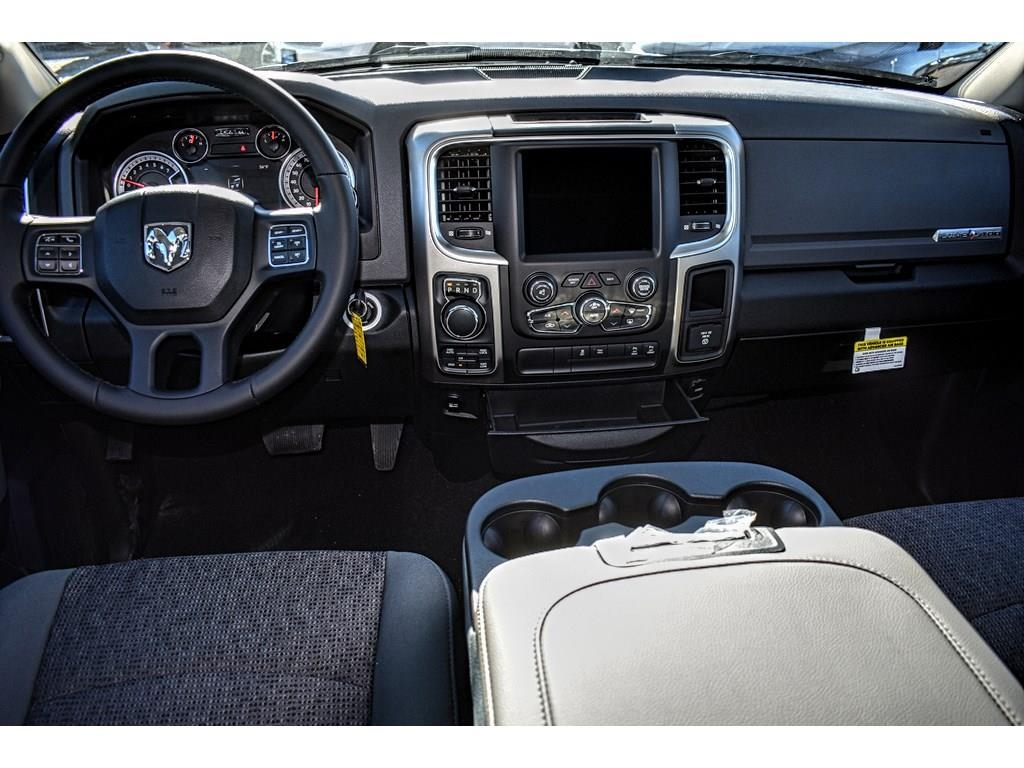 2018 Ram 1500 Crew Cab 4x4, Pickup #JS268575 - photo 17