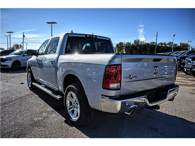 2018 Ram 1500 Crew Cab 4x4, Pickup #JS268575 - photo 9