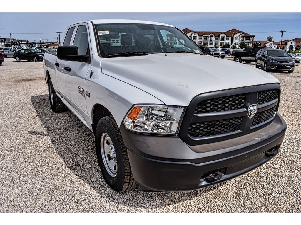 2018 Ram 1500 Quad Cab 4x4, Pickup #JS277966 - photo 3