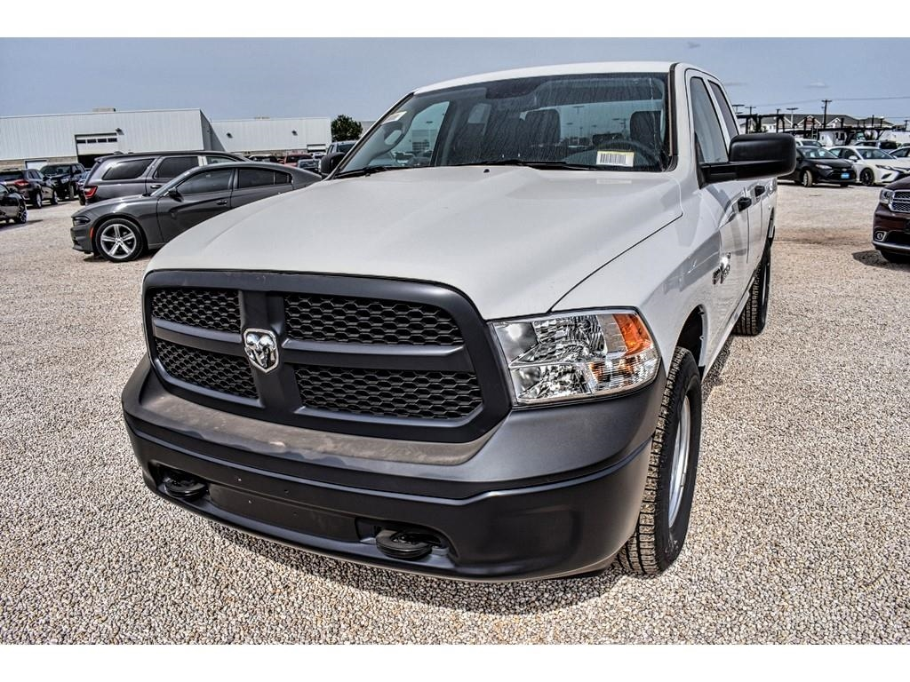 2018 Ram 1500 Quad Cab 4x4, Pickup #JS277966 - photo 5