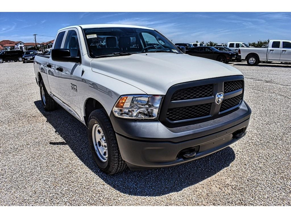 2018 Ram 1500 Quad Cab 4x4,  Pickup #JS331785 - photo 3