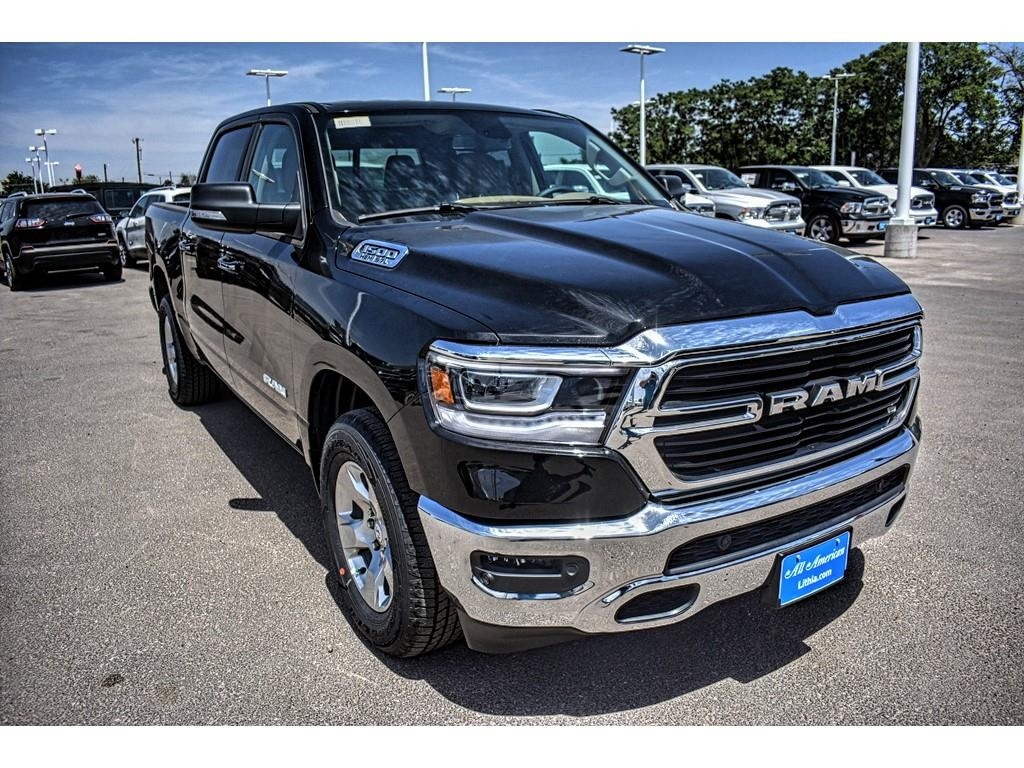 2019 Ram 1500 Crew Cab 4x2,  Pickup #KN509509 - photo 3