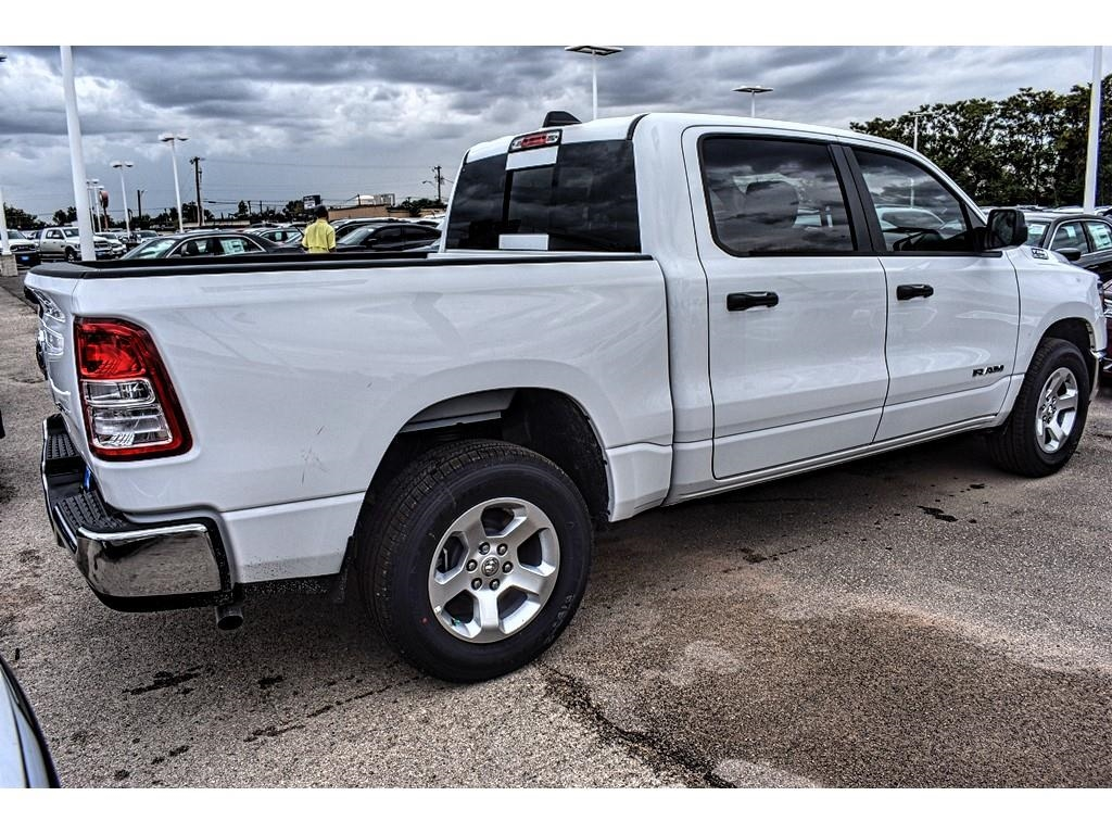 2019 Ram 1500 Crew Cab 4x2,  Pickup #KN567627 - photo 2